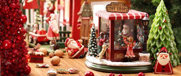 Cztery kolekcje dekoracji świątecznych