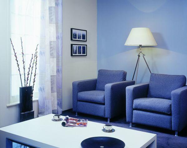 Jak malować, by powiększyć mały pokój?