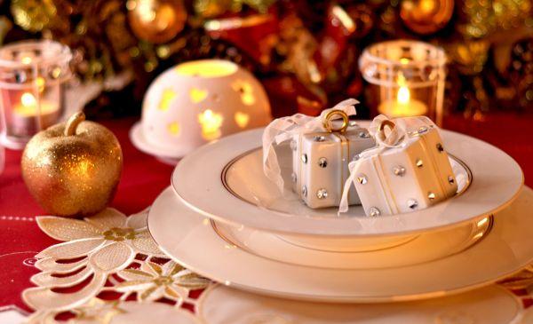 Pomysły na aranżacje świątecznego stołu